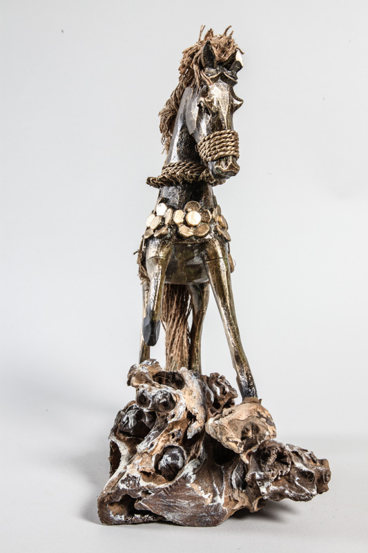deko skulptur pferd online kaufen bei cachet cachet shop. Black Bedroom Furniture Sets. Home Design Ideas