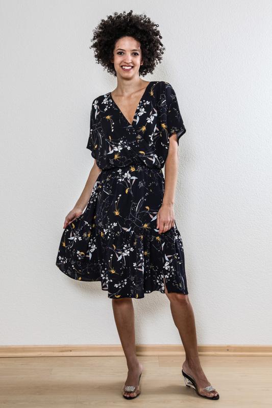 Kleid dunkelblau mit blumen